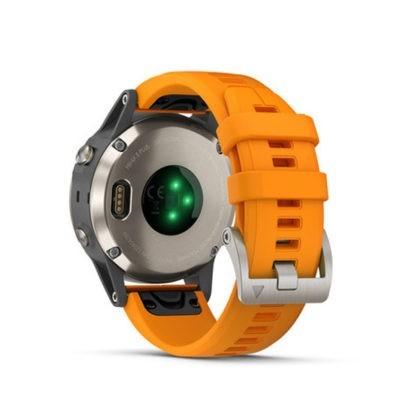 fēnix® 5 Plus Sapphire tytanowy z pomarańczowym paskiem